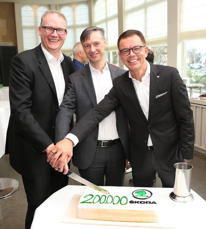 skoda erzielt 2019 in deutschland mit ueber 200 000 fahrzeugen neuen zulassungsrekord und startet erfolgreich in die elektro aera - SKODA erzielt 2019 in Deutschland mit über 200.000 Fahrzeugen neuen Zulassungsrekord und startet erfolgreich in die Elektro-Ära