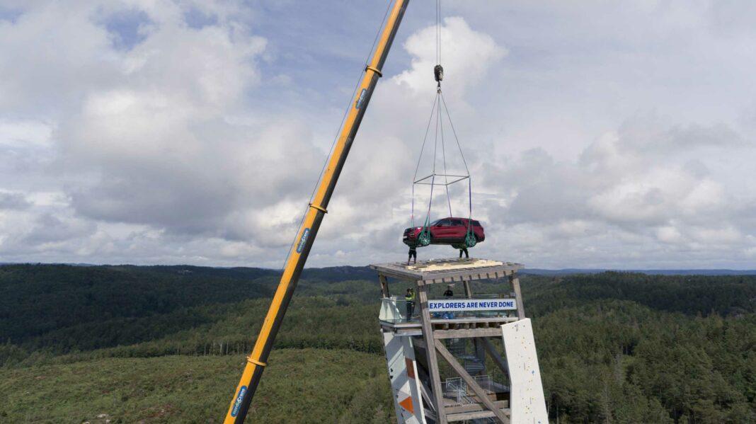 image 1 6 1068x599 - Ford Explorer Plug-in-Hybrid steht auf höchstem Kletterturm der Welt - als Siegprämie für schnellsten Gipfelstürmer