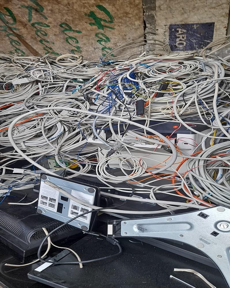 image 1 195 - Der Schrotthandel in Bochum holt Elektroschrott und Mischschrott ab und kauft größere Mengen sogar an - Schrott abholen lassen leicht gemacht