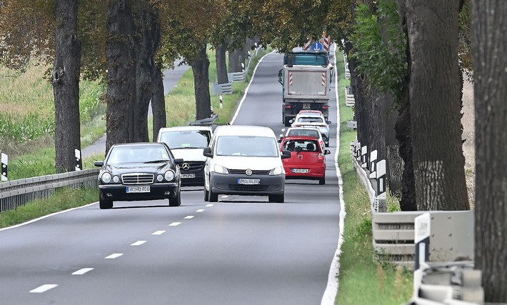 image 1 36 - Viele Unfälle durch riskantes Überholen: Im Zweifel nie!